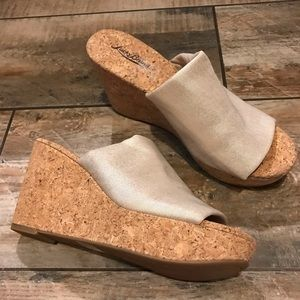 Lucky Brand - NWT! Shimmery Gold Cork Wedges (10)